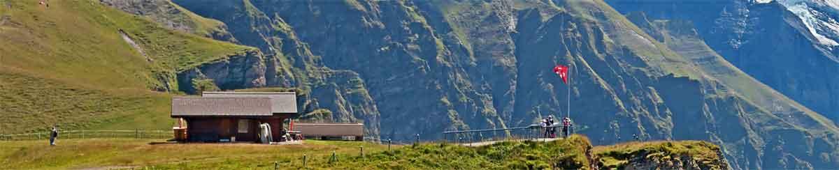 FahnenKing Fahne auf Schweizer Alp