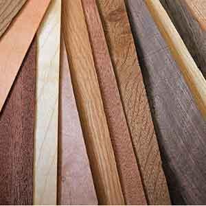 Regelmässige Holzpflege