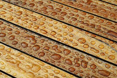 Holz imprägnieren mit MacGloss Lederbalsam